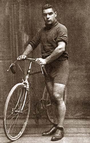 Jose Laskurain, primer presidente del Club Deportivo Eibar.