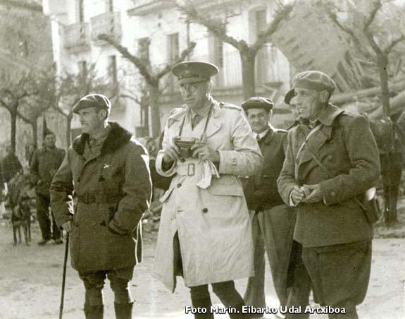 Los generales Mola y Solchaga en Eibar.
