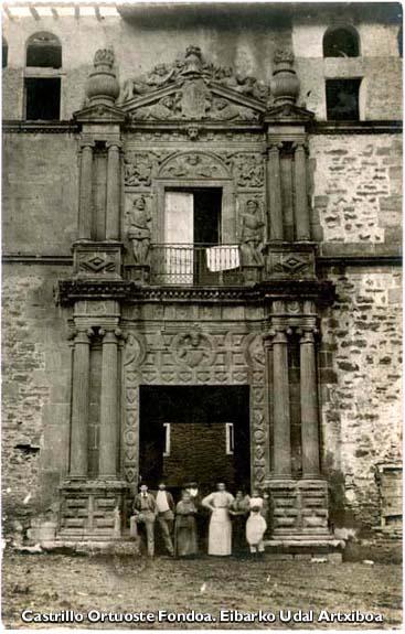Casa Torre de los Orbea en la Plaza Unzaga. 1898.