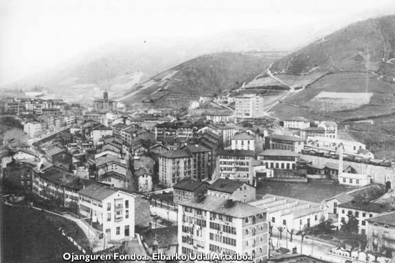 Vista general de Eibar de la zona de Urkizu, 1914