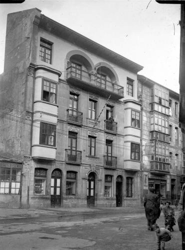 Batzoki en la calle María Angela