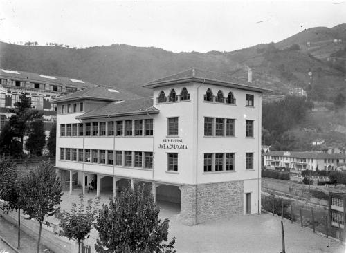Escuelas de Isasi de José Antonio Guisasola 1930