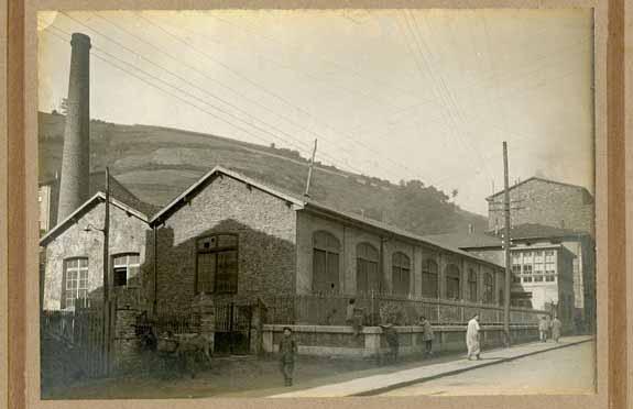 Aurrera lantegia 1910 inguruan