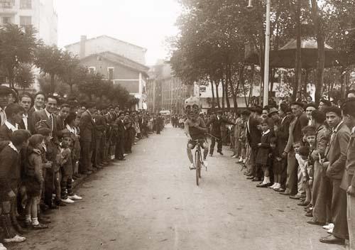 1934. Untzaga, buruhaundien karrera.